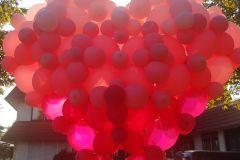 großes Herz aus Ballons