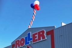 großes Ballontor mit Riesenballons bei Roller