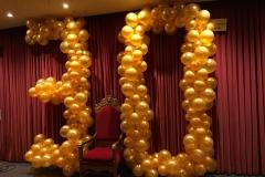 große Zahl aus Ballons