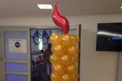 große Kerze aus Ballons