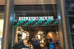 Regelmäßige Ballongirlande Espresso House