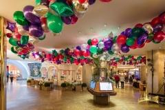 festliche Raumdekoration mit Ballons