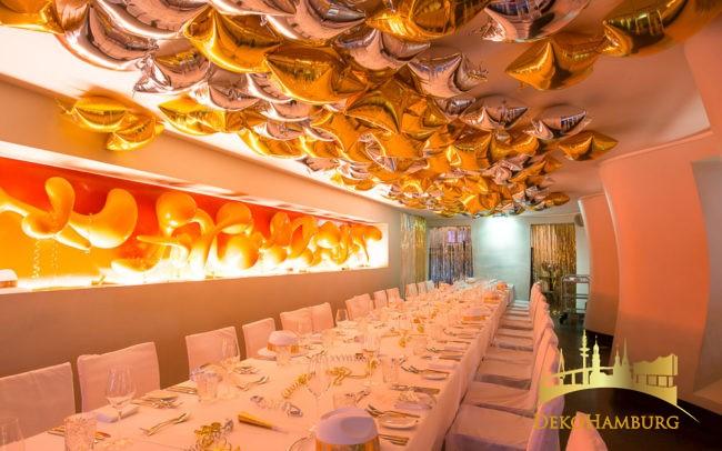 Ballonhimmel Dekoration zu Silvester gold silber
