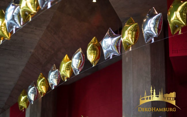 Ballongirlande aus Folienballon Sternen