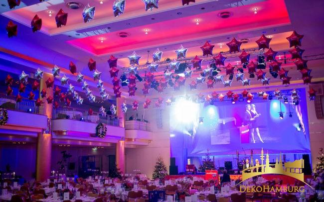 Sternenballons an der Decke im Elysee Hotel