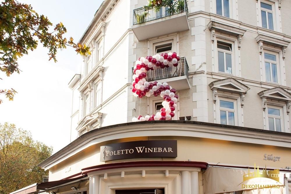 Ballondekoration Polettos Weinbar