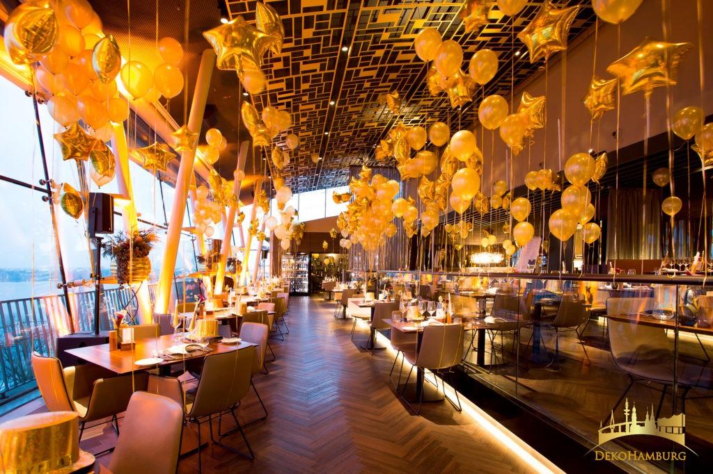 Folienballons in Sternform in gold in Kombination Metallic Luftballons von dekohamburg.de